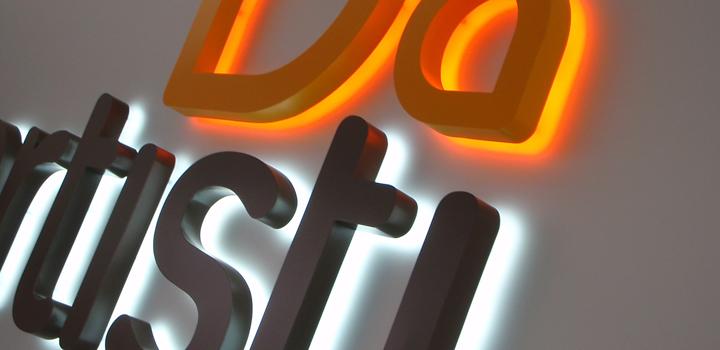 3D_fasadebokstaver_Profil 3_lys mot vegg